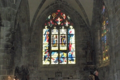 Glas in Lood kerkvenster in Bretagne door Anne-Marie van den Bern