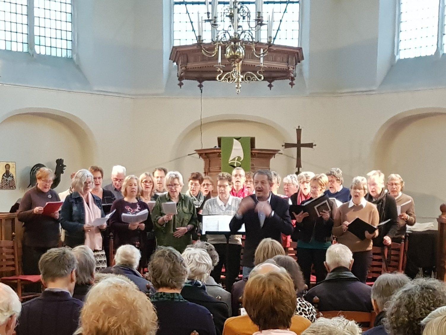 Eerste Viering met OLV koor in de Waalse Kerk